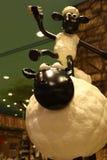 Aardman-` s Shaun die Schafcharaktere auf display at Expocity Stockbild