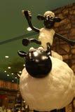 Aardman-` s Shaun die Schafcharaktere auf display at Expocity Stockfotos