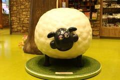 Aardman-` s Shaun die Schafcharaktere auf display at Expocity Lizenzfreie Stockbilder