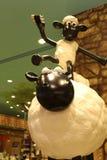 Aardman-` s Shaun die Schafcharaktere auf display at Expocity Stockfoto