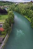 Aare flod från Bernstaden, Schweiz Royaltyfri Fotografi
