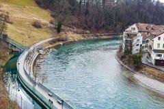 Aare flod i Bern, Schweiz Arkivbilder