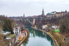 Aare flod i Bern, Schweiz Royaltyfria Bilder