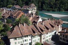 Aare flod och hus Royaltyfri Bild