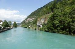 Aare Fluss in Interlaken Lizenzfreie Stockbilder