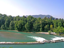 Aare-Flussverdammung in Bern Lizenzfreie Stockfotos