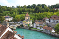 aarebern bro över floden switzerland Royaltyfri Foto