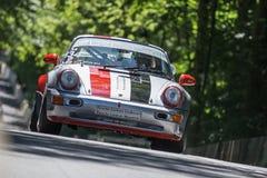 AARHUS, DÄNEMARK - 29. MAI 2016: Ruud Poels in Porsche 964, am klassischen Rennen Aarhus 2016 Lizenzfreie Stockfotos
