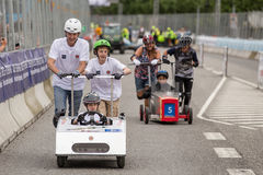 AARHUS, DANEMARK - 27 MAI 2016 : Prince Joachim de HRH avec prince Henrik à la course de voiture de caisse à savon, à la course c Images libres de droits