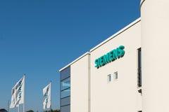 Aarhus, Denemarken - September 14, 2016: Het embleem van Siemens bij de bouw Stock Foto's