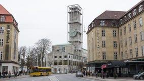 AARHUS, DINAMARCA - 14 de abril de 2015: Opinión sobre el centro de Aarhus w Imagen de archivo libre de regalías