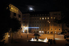 Aarhus-Stadt Hall Square bis zum Nacht Stockfotografie