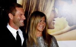 Aaron Eckhart et Jennifer Aniston Photos libres de droits