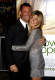 Aaron Eckhart et Jennifer Aniston Image stock