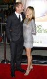 Aaron Eckhart y Jennifer Aniston Foto de archivo