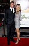 Aaron Eckhart y Jennifer Aniston Fotografía de archivo