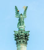 Aartsengel Gabriel bovenop kolom Royalty-vrije Stock Foto