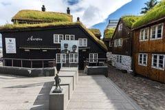 Aarvegur街视图在Torshavn市 库存图片