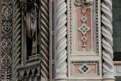 Abóbada da catedral em Florença, Itália, em um dia de mola Fotos de Stock