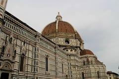 Abóbada da catedral em Florença, Itália, em um dia de mola Imagem de Stock Royalty Free