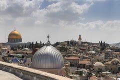 Abóbada da rocha, Jerusalém velho da cidade da opinião da telhado-parte superior Fotografia de Stock Royalty Free
