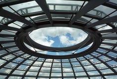 Abóbada de Reichstag em Berlim imagens de stock
