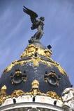 A abóbada do edifício da metrópole em Madrid, Spain imagem de stock royalty free
