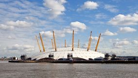 Abóbada do milênio da arena O2 em Londres imagem de stock