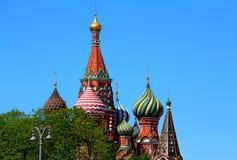 Abóbadas da catedral do ` s da manjericão do St em Moscou Imagem de Stock Royalty Free