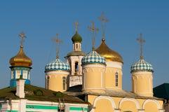 Abóbadas douradas da igreja cristã Foto de Stock