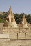 Abóbadas gêmeas de um templo de Yezidi em Lalish, Iraque Fotografia de Stock
