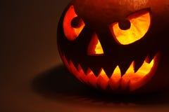 Abóbora de Halloween na obscuridade Fotografia de Stock