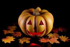 Abóbora de Halloween no preto. imagens de stock