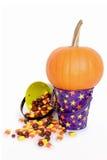 Abóbora e doces de Halloween Fotos de Stock Royalty Free