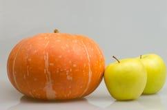 Abóbora e maçãs Fotografia de Stock