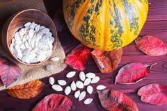 Abóbora e sementes de abóbora Foto de Stock Royalty Free