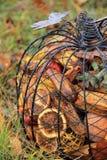 Abóbora lindo do metal com pot-pourri perfumado Imagens de Stock