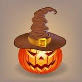 Abóbora manhoso em um chapéu da bruxa para Dia das Bruxas imagens de stock