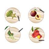Abacate, Carambolas, pêssego, Angel Peach em placas de corte ilustração stock