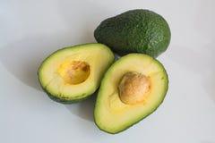 Abacates cortados verde Imagem de Stock Royalty Free