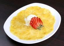 Abacaxi da sobremesa Imagens de Stock Royalty Free