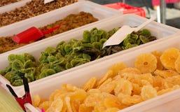 Abacaxi e quivi postos de conserva no açúcar Imagens de Stock