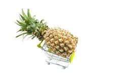 Abacaxi fresco no trole Fotos de Stock Royalty Free