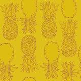 Abacaxi roxo do teste padrão sem emenda no fundo do amarelo de Ceilão Imagens de Stock Royalty Free