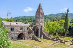 Abadía antigua en ruinas, el monasterio de Santa Maria en Valle Christi situado en Valle Christi, en Rapallo, provin de Genoa Gen Fotografía de archivo