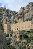 Abadía benedictina Santa Maria de Montserrat en Monistrol de Montserrat, España Foto de archivo libre de regalías