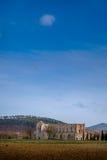 Abadía cisterciense de San Galgano cerca de Chiusdino, Toscana, Italia Fotos de archivo