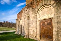 Abadía cisterciense de San Galgano cerca de Chiusdino, Toscana, Italia Foto de archivo