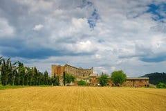 Abadía cisterician de Abbazia di San Galgano en Toscana Fotos de archivo libres de regalías