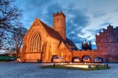 Abadía de Adare en la noche Foto de archivo